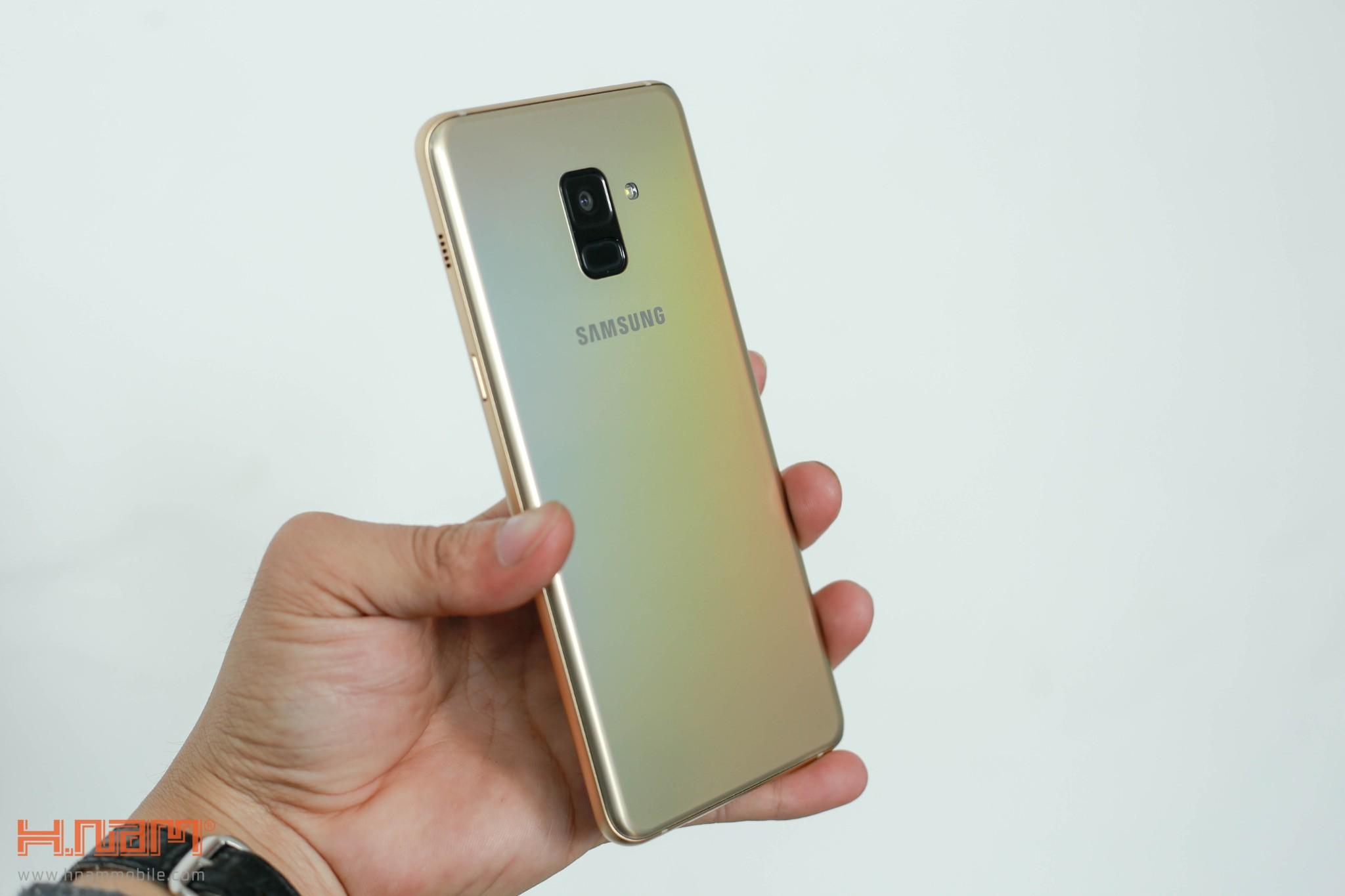 Đánh giá thiết kế Galaxy A8/ A8+: Vẻ đẹp sang trọng của kim loại và kính hình 5