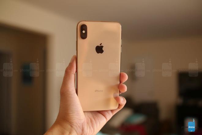 Đập hộp iPhone Xs Max phiên bản màu vàng hình 3