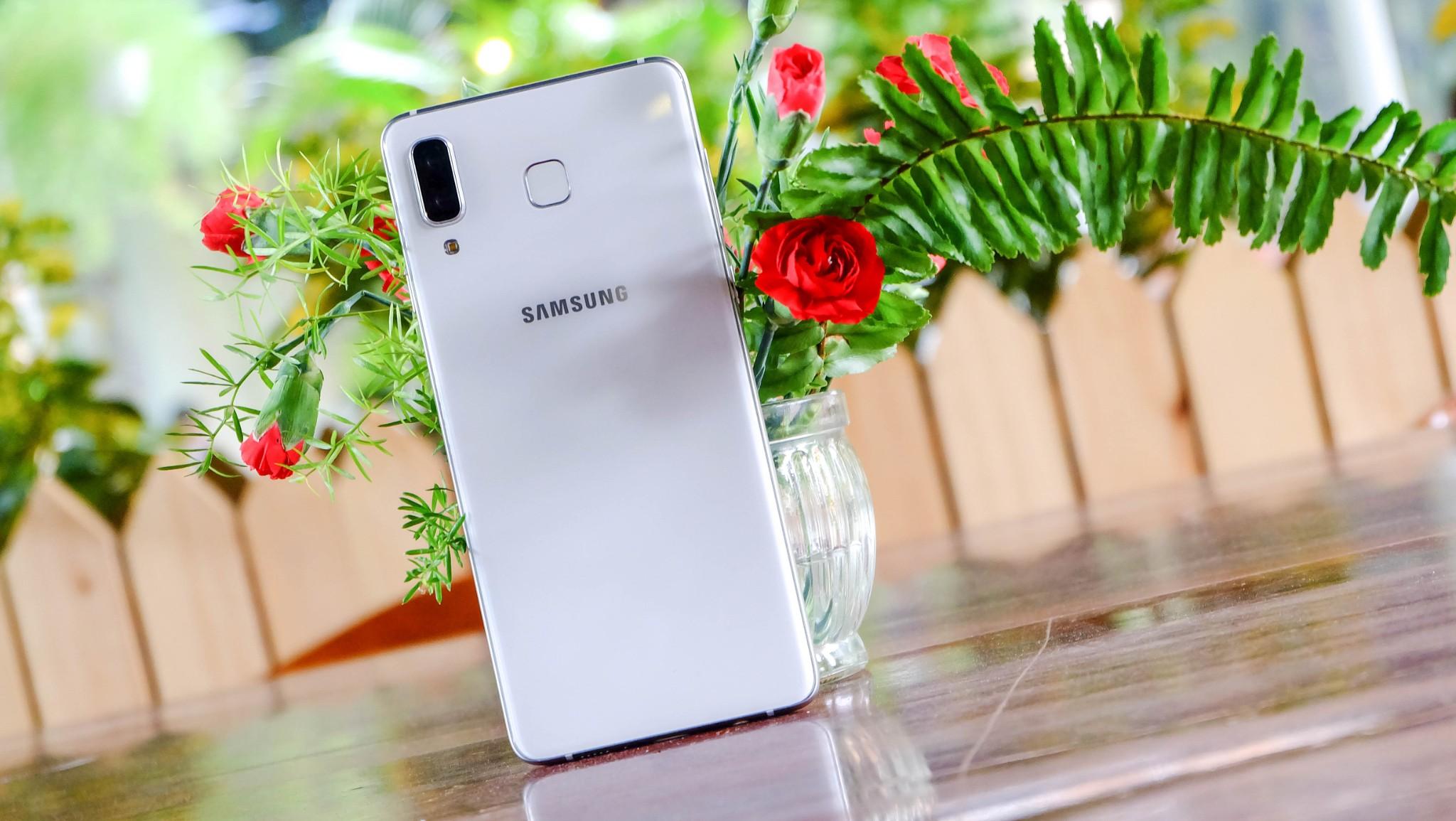 """Galaxy A8 Star đích thực là """"ngôi sao"""" trong phân khúc 14 triệu chính hãng hình 1"""