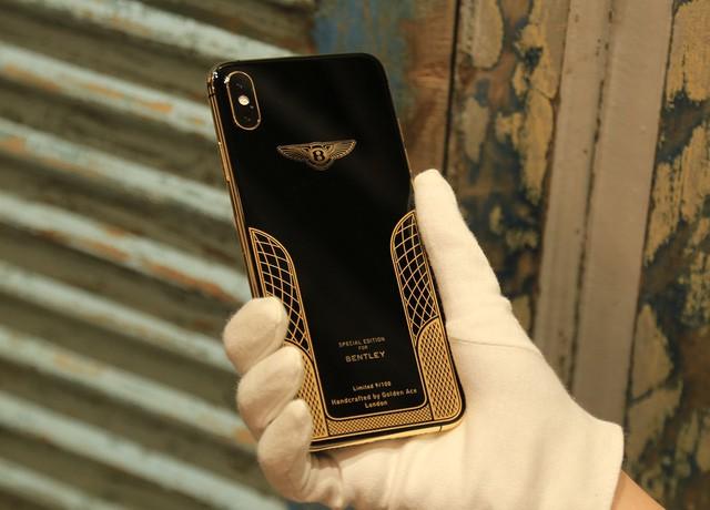 Giá iPhone Xs Max mạ vàng ở Việt Nam khoảng 4.000 USD hình 11