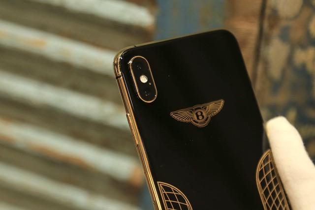 Giá iPhone Xs Max mạ vàng ở Việt Nam khoảng 4.000 USD hình 6