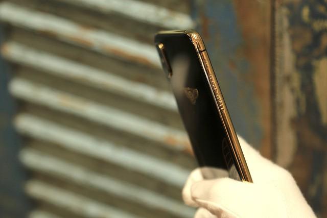 Giá iPhone Xs Max mạ vàng ở Việt Nam khoảng 4.000 USD hình 7