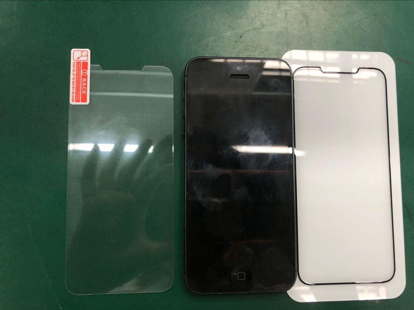 Lộ thiết kế kính bảo vệ của Olixar cho thấy iPhone SE 2 là phiên bản thu nhỏ của iPhone X hình 3