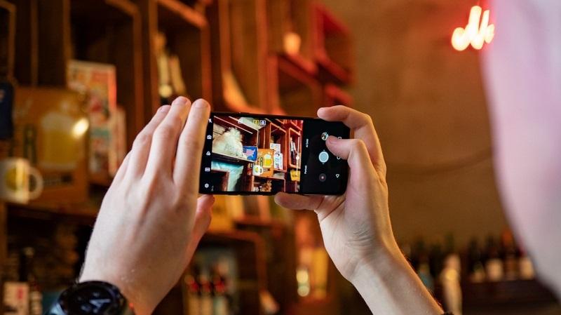 """LG chính thức ra mắt G7 ThinQ: Màn hình """"tai thỏ"""", camera AI, cấu hình khủng hình 4"""
