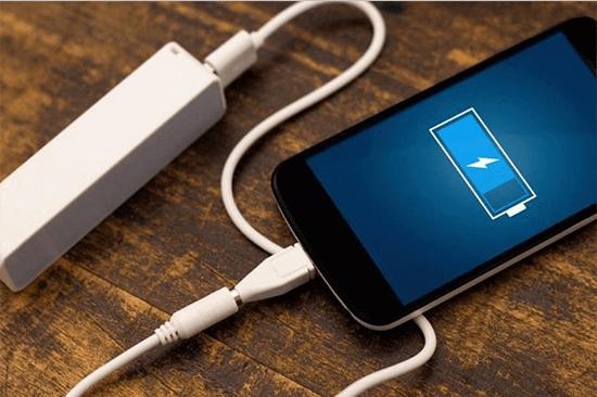 Cách khắc phục tình trạng điện thoại sạc pin rất chậm hoặc không vào điện hình 1