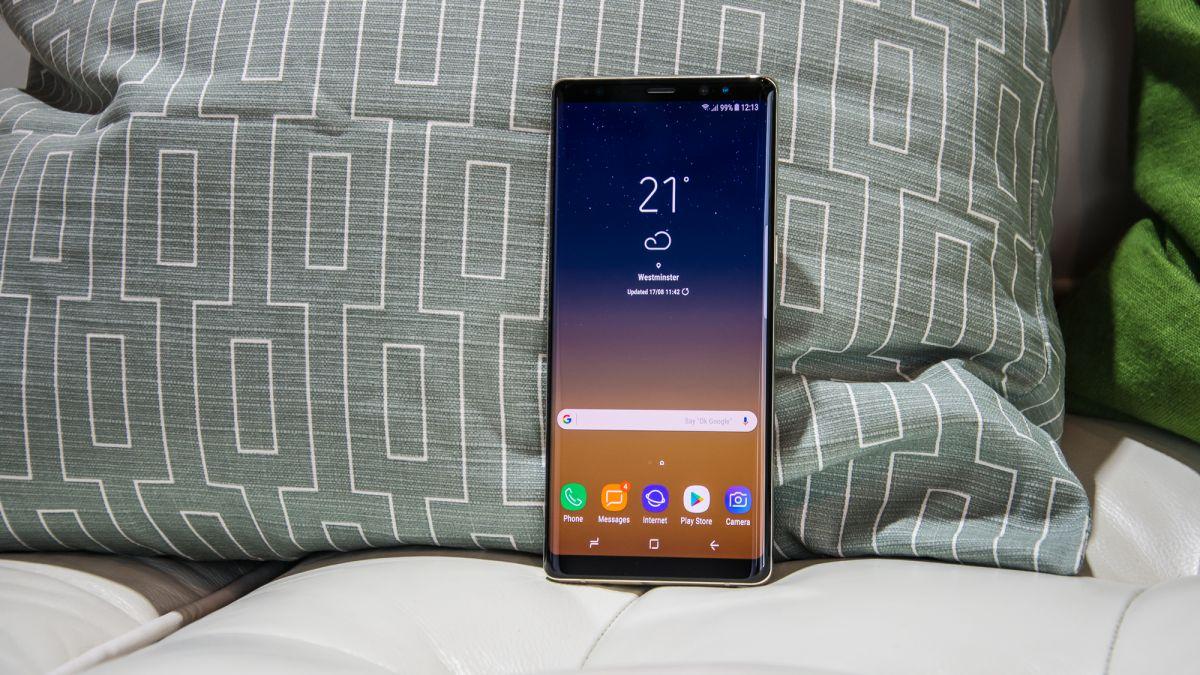 Top 6 smartphone ấn tượng nhất của năm 2018 hình 2
