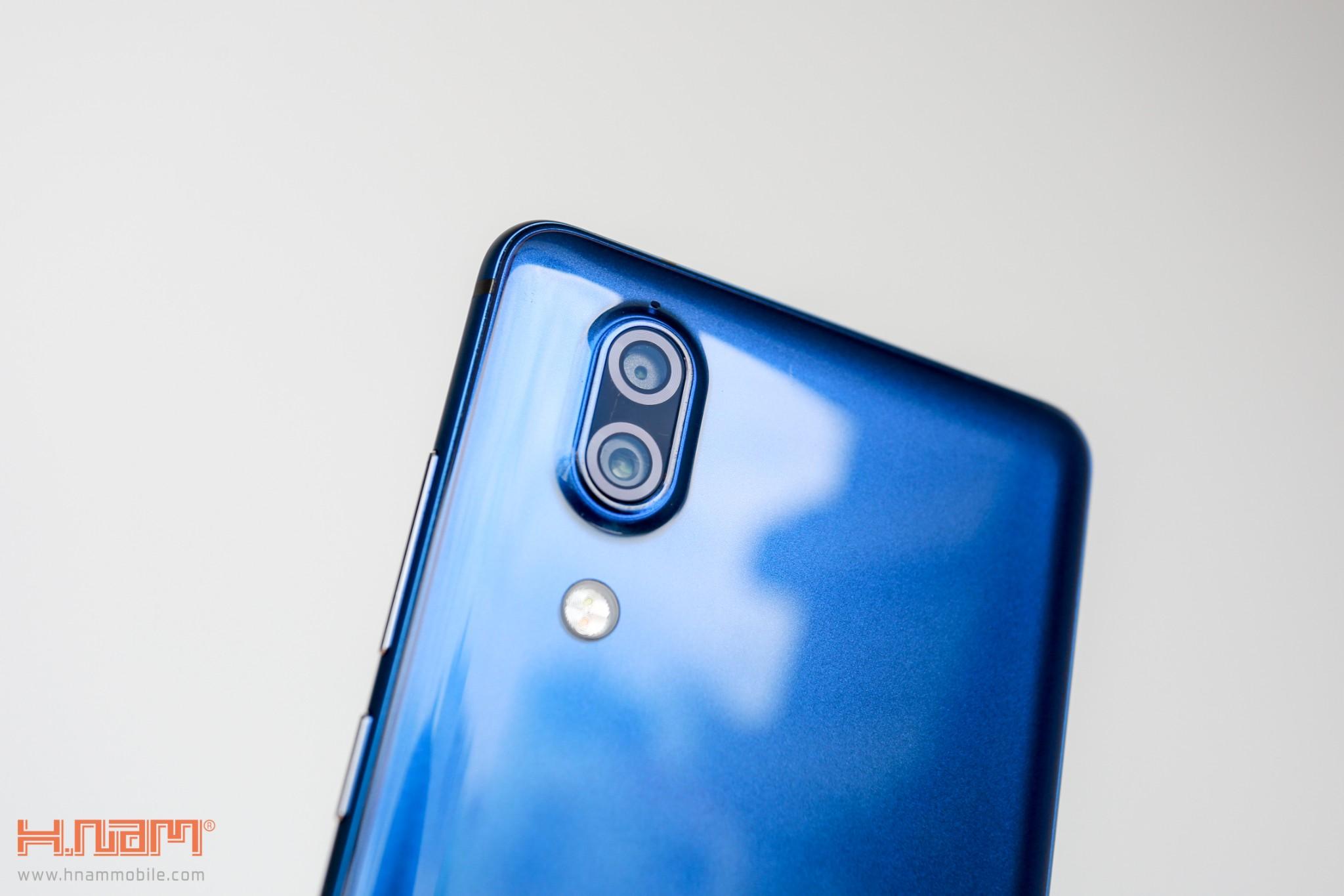 Trên tay Sharp Aquos S2 phiên bản màu xanh tại Việt Nam hình 11