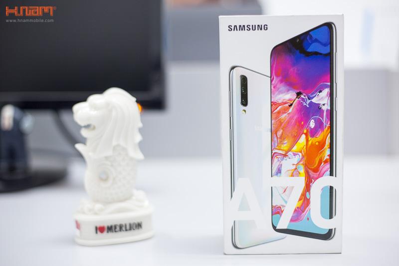 Trên tay Galaxy A70: bản nâng cấp toàn diện từ Galaxy A50 hình 2