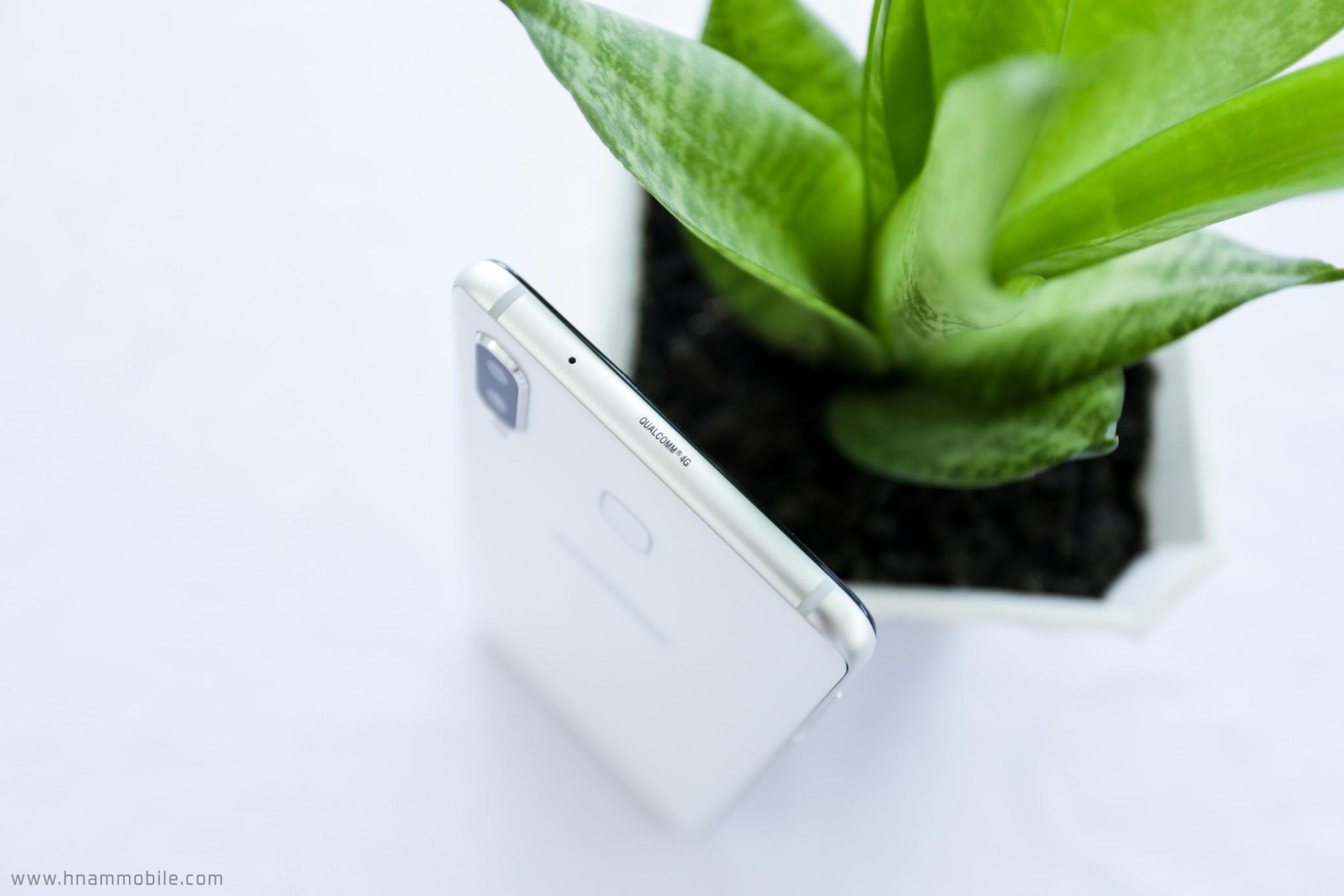 Đập hộp Galaxy A8 Star chính hãng tại Việt Nam hình 8