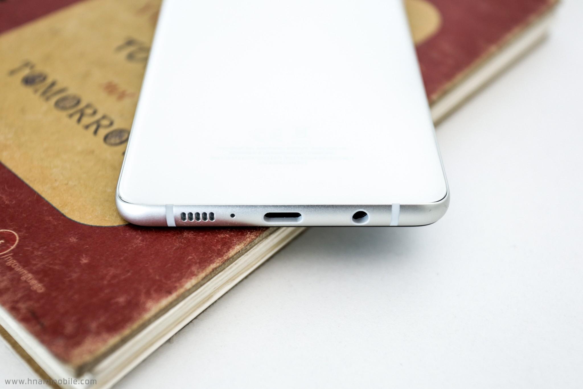 Đập hộp Galaxy A8 Star chính hãng tại Việt Nam hình 7