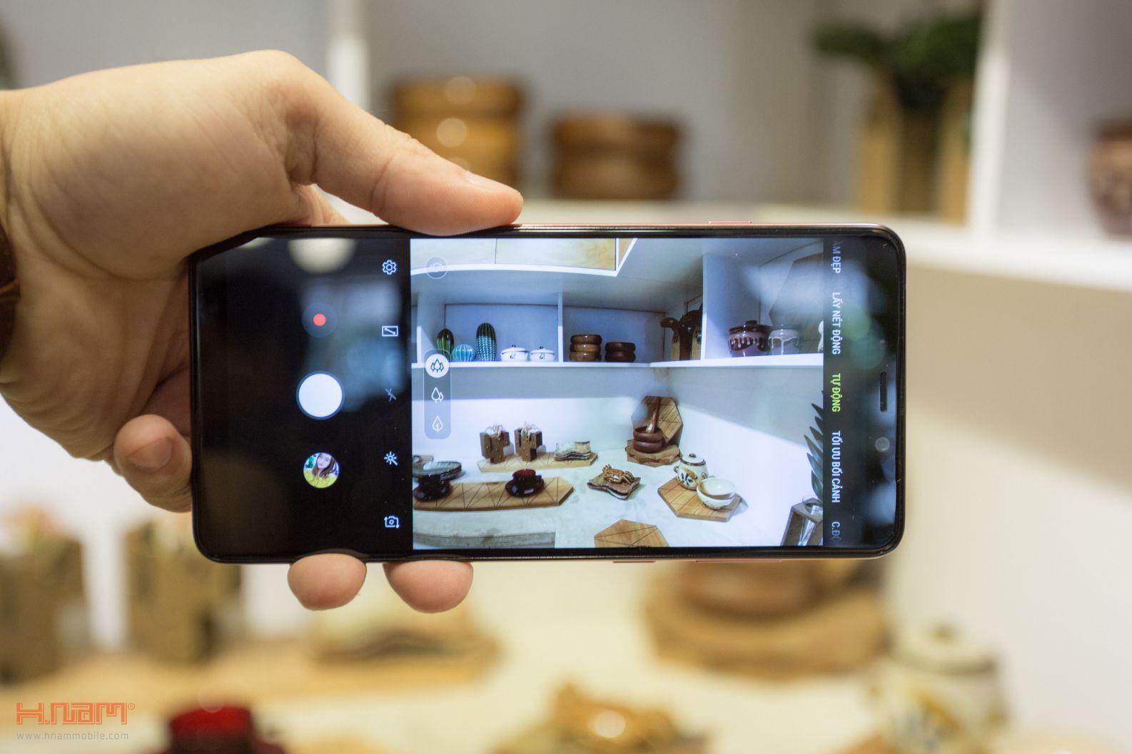 Trên tay Galaxy A9 2018: 4 camera chụp cả thế giới hình 10