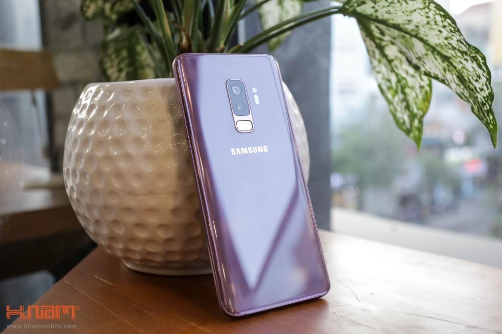 Đập hộp Galaxy S9+ chính hãng tại Việt Nam màu Tím tử đinh hương hình 10