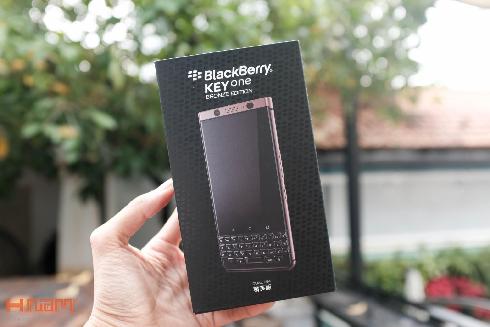 Trên tay Blackberry KEYone phiên bản màu Đồng cực chất! hình 5