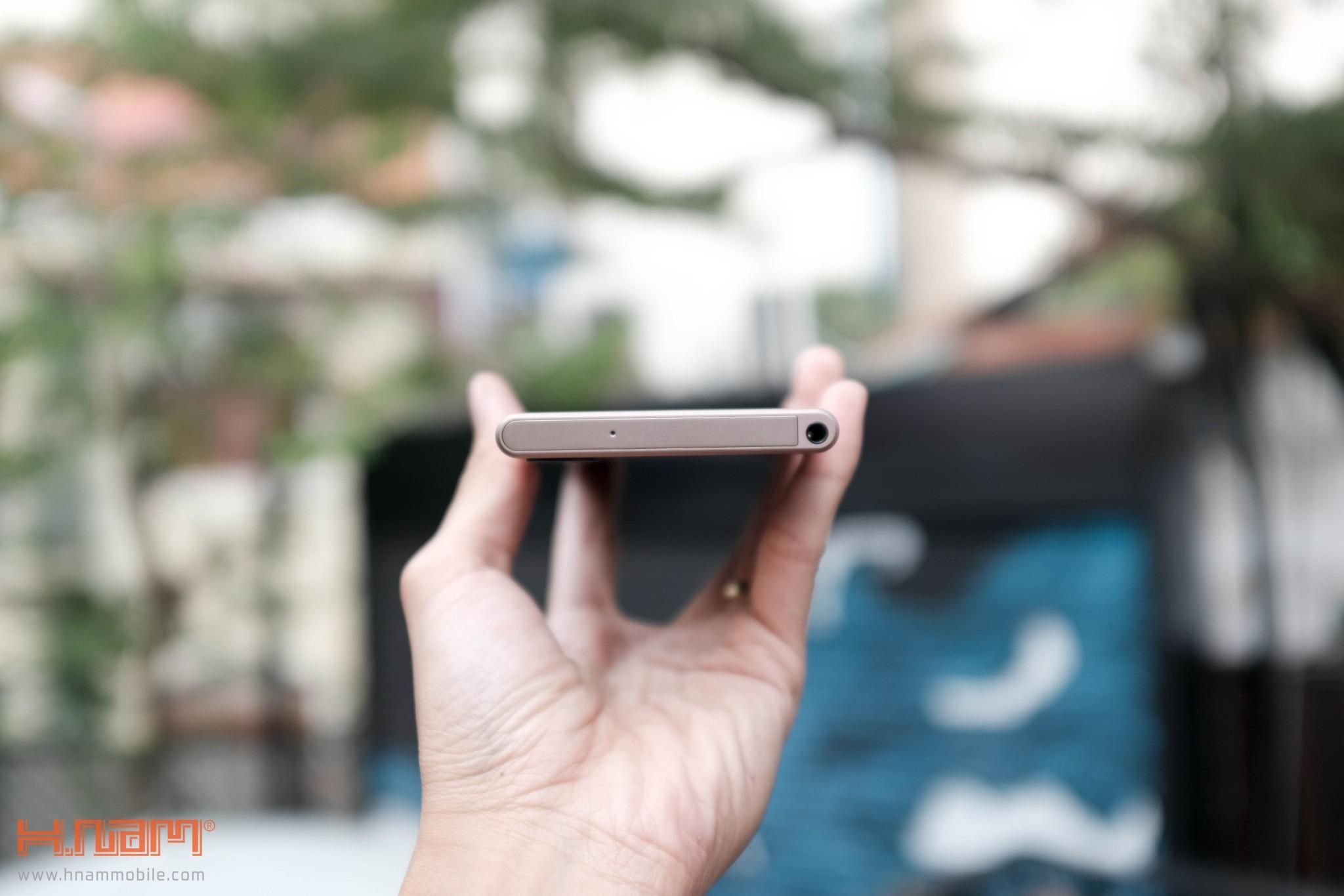 Trên tay Blackberry KEYone phiên bản màu Đồng cực chất! hình 12