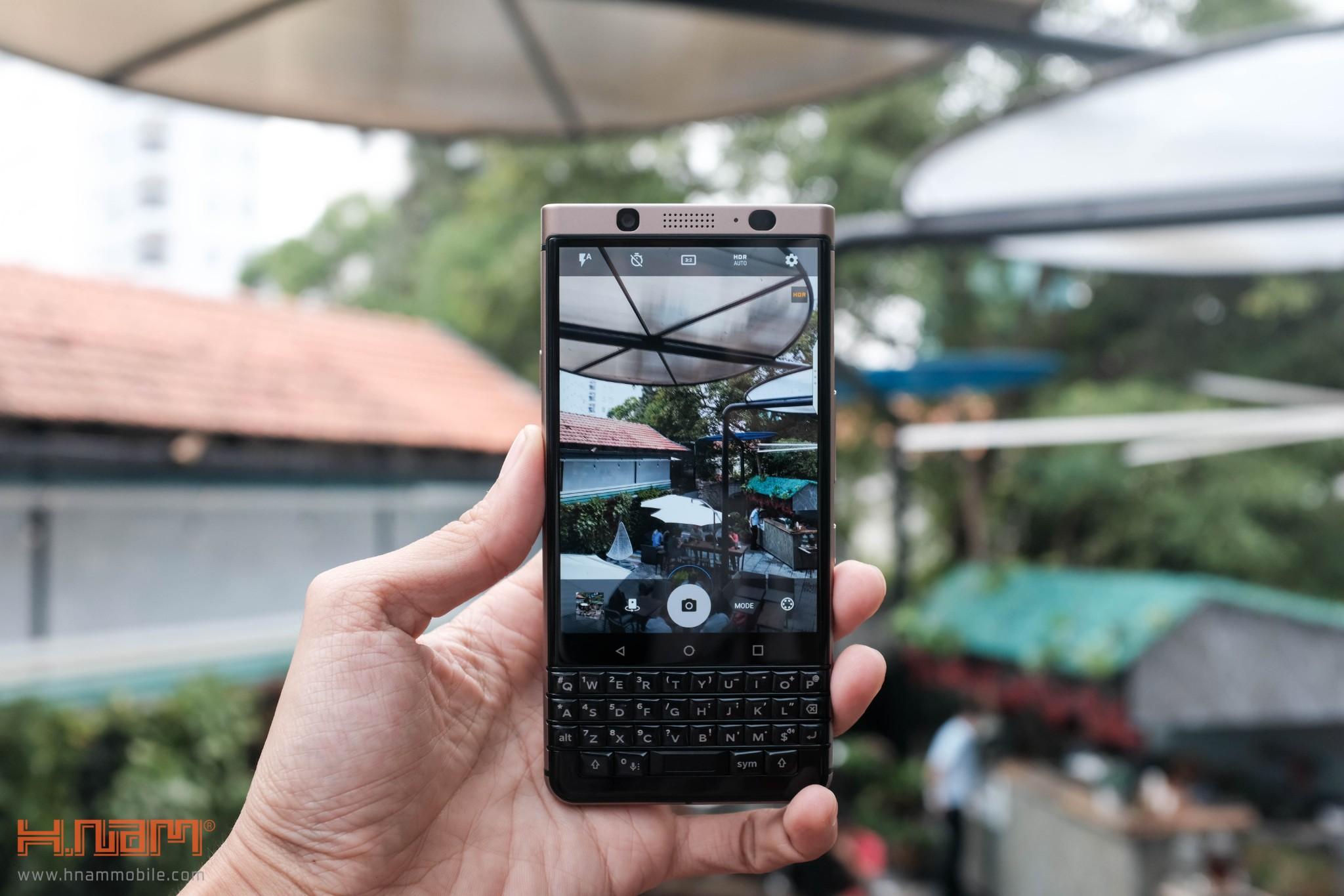 Trên tay Blackberry KEYone phiên bản màu Đồng cực chất! hình 16