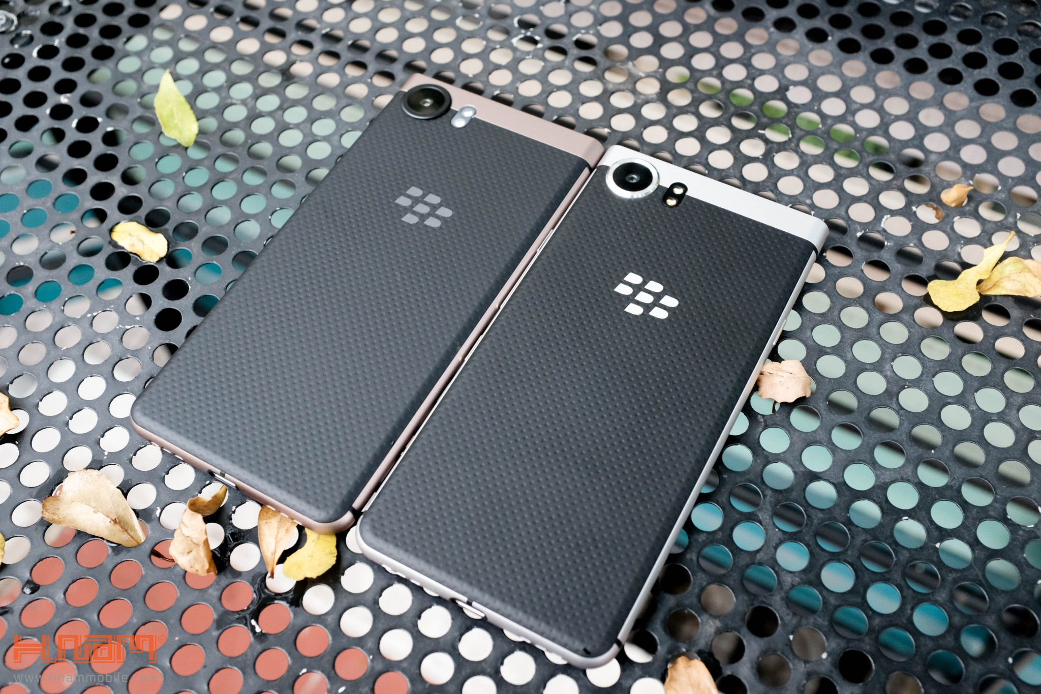 Trên tay Blackberry KEYone phiên bản màu Đồng cực chất! hình 18