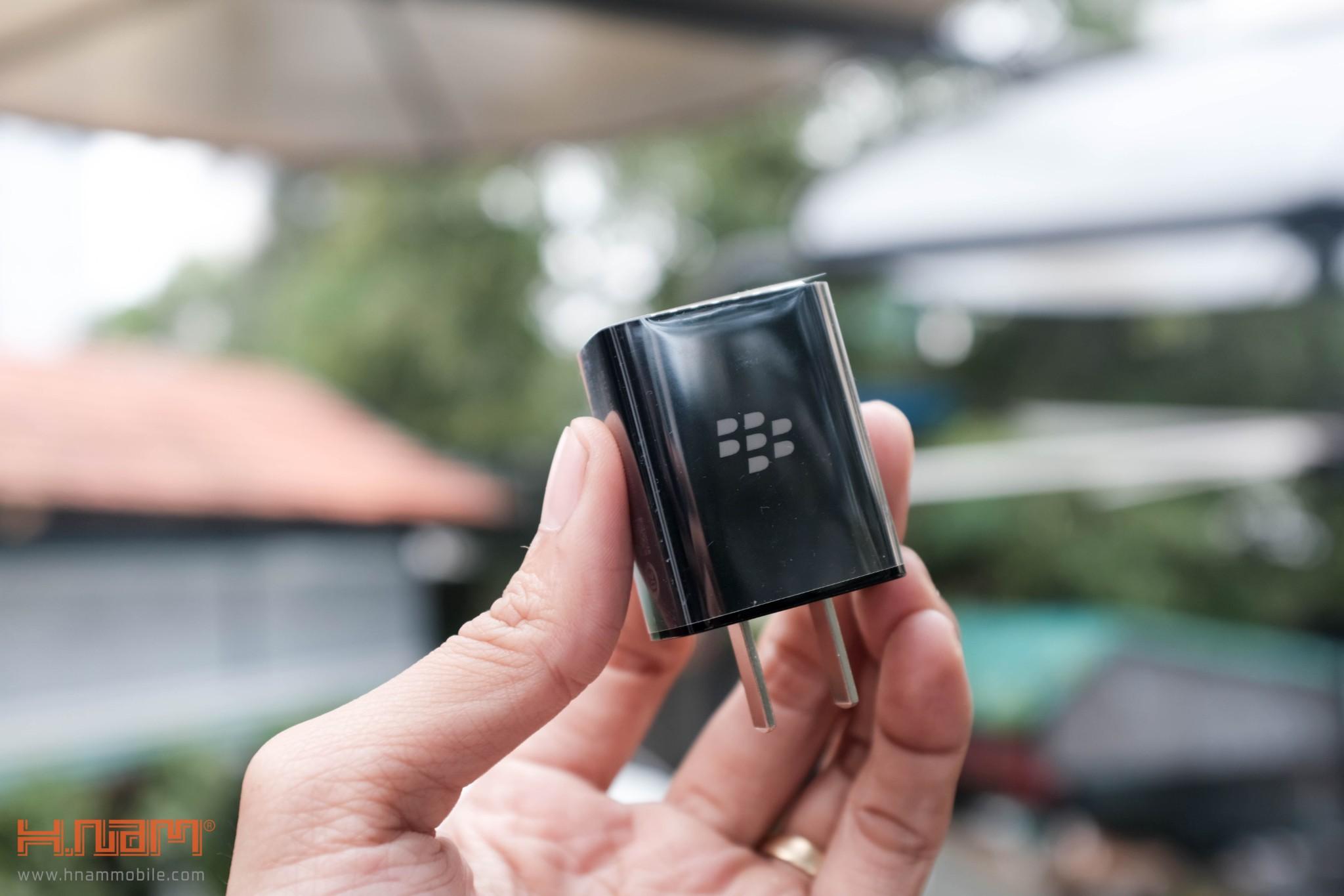 Trên tay Blackberry KEYone phiên bản màu Đồng cực chất! hình 8