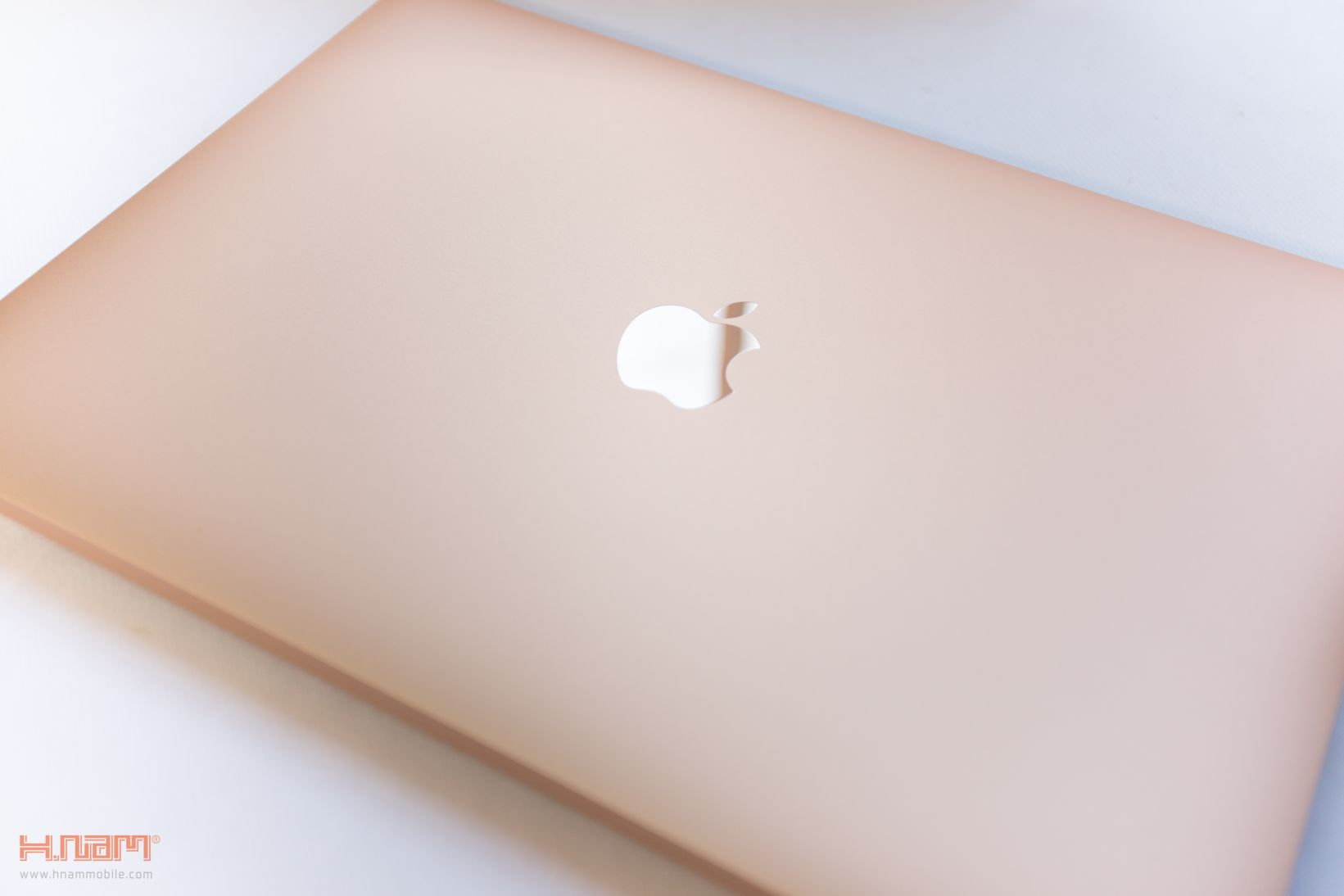 Trên tay Macbook Air 2018: Nâng cấp toàn diện sau 10 năm ra mắt hình 5