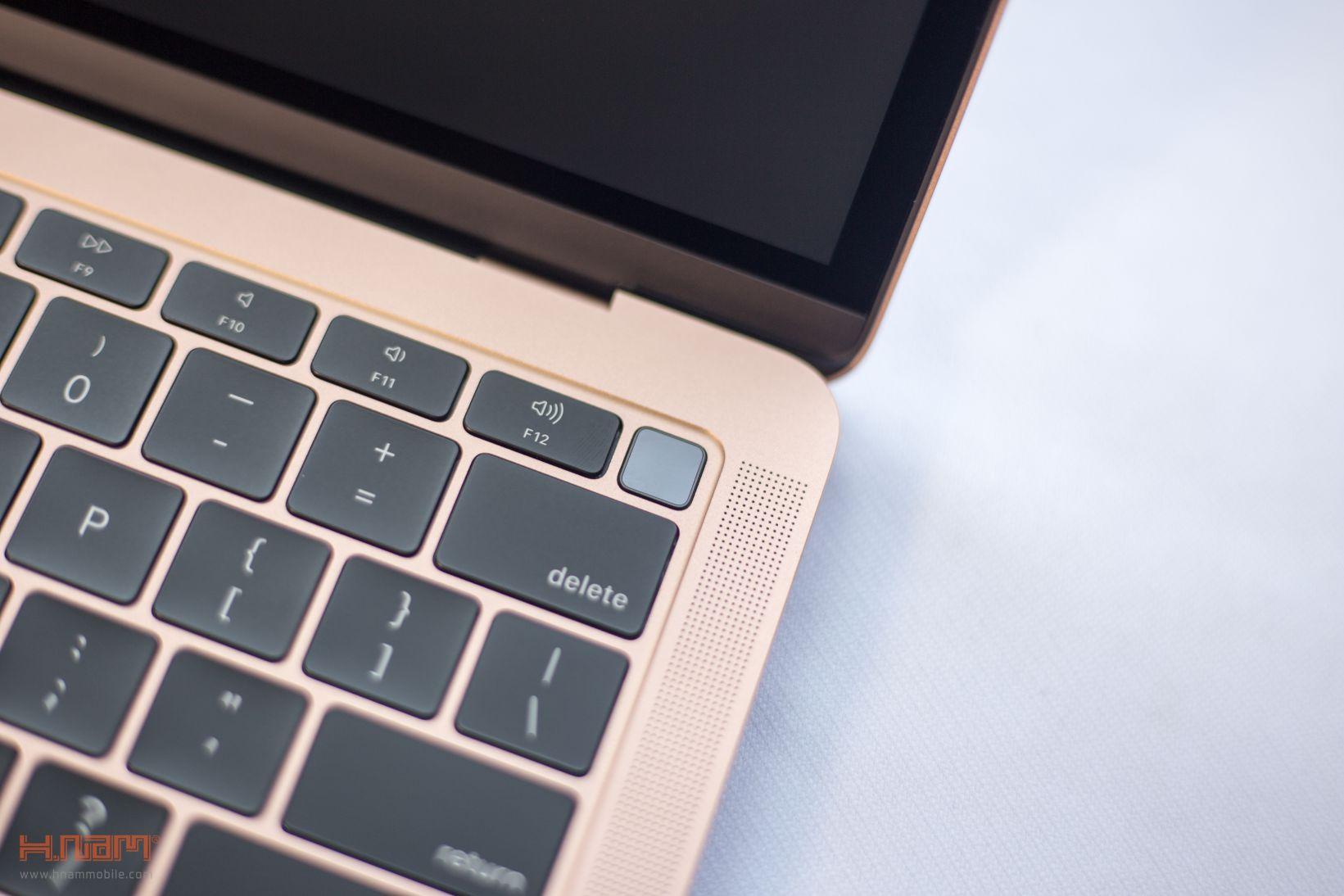Trên tay Macbook Air 2018: Nâng cấp toàn diện sau 10 năm ra mắt hình 8