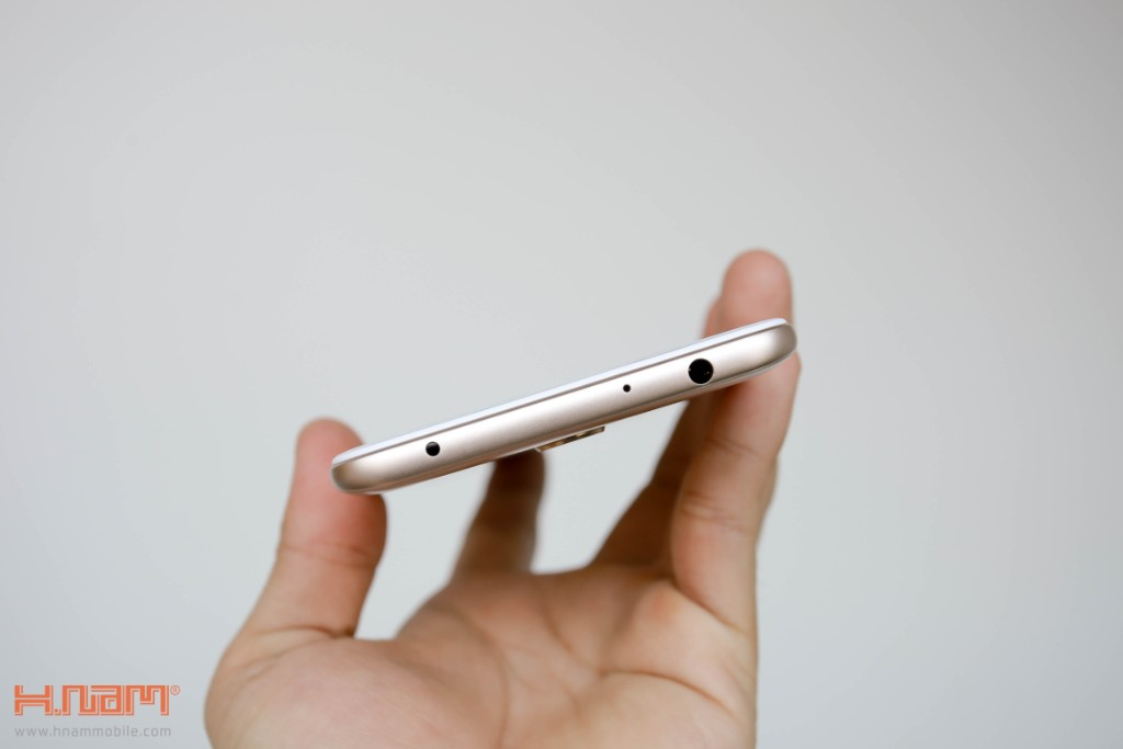 Đập hộp Xiaomi Redmi 5 Plus: Thiết kế thời thượng với màn hình 18:9 giá chỉ 3.9 triệu đồng hình 10