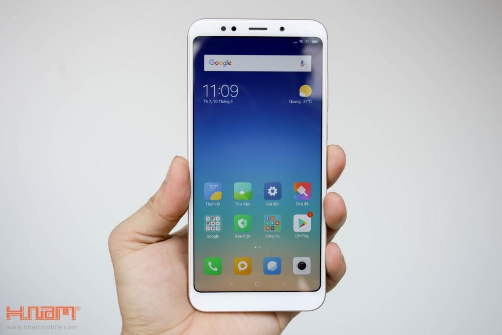 Đập hộp Xiaomi Redmi 5 Plus: Thiết kế thời thượng với màn hình 18:9 giá chỉ 3.9 triệu đồng hình 6