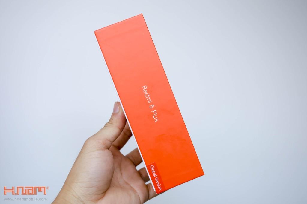 Đập hộp Xiaomi Redmi 5 Plus: Thiết kế thời thượng với màn hình 18:9 giá chỉ 3.9 triệu đồng hình 3
