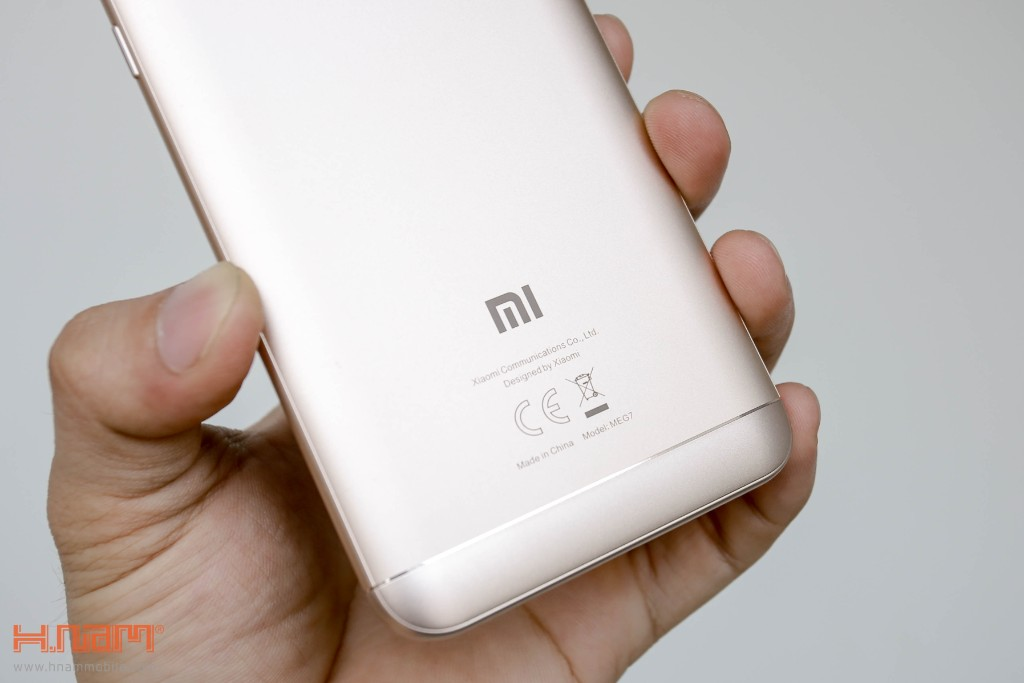 Đập hộp Xiaomi Redmi 5 Plus: Thiết kế thời thượng với màn hình 18:9 giá chỉ 3.9 triệu đồng hình 14