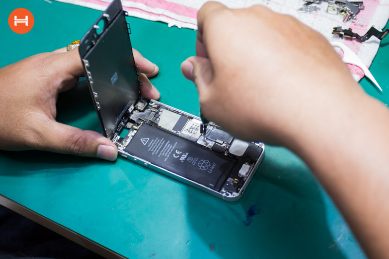 Cách khắc phục tình trạng điện thoại sạc pin rất chậm hoặc không vào điện hình 8