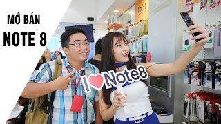 Hàng trăm khách hàng đến nhận Galaxy Note8 tại Hnammobile.