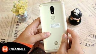 Trên tay Moto M: Smartphone đầu tiên của Motorola sở hữu cảm biến vân tay ở mặt lưng.
