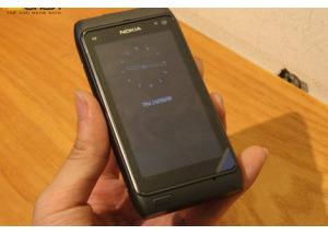 5 chiếc Nokia N8 đầu tiên về Việt Nam