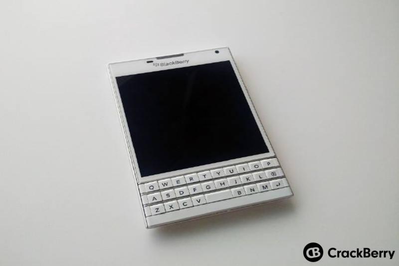 BlackBerry Passport phiên bản màu trắng sẵn sàng cho đặt hàng trước