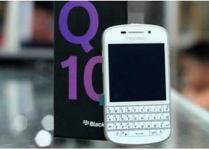 BlackBerry Q10 trắng về VN với giá 17 triệu đồng