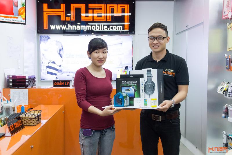 Bộ sản phẩm công nghệ sành điệu và giá trị đã được trao tay khách hàng đầu tiên