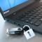 Cách khóa và mở khóa cổng USB trên laptop