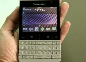 Đập hộp BlackBerry Porsche Design P9981 chính hãng