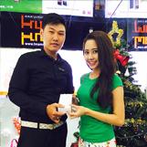 Diễn viên Tường Vy mua iPhone 6, tháng 12/2014