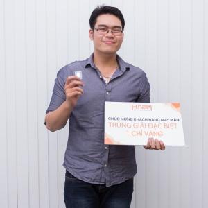 Chọn mua sắm tại Hnam Mobile, 10 khách hàng đã may mắn trúng vàng
