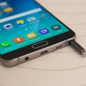 Galaxy Note 5 Active pin 4.100 mAh ra mắt tháng 11