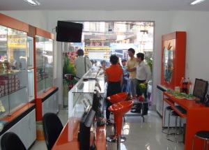Hình ảnh khai trương Showroom 3 - Lê Hồng Phong Q10 của Hnam Mobile