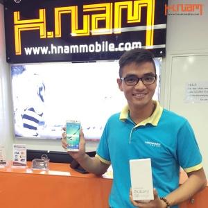 Hình ảnh khách hàng đầu tiên mua Galaxy S6/S6 Edge tại hnammobile.