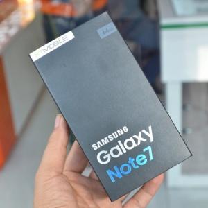 Ảnh thực tế Samsung Galaxy Note 7 phiên bản Blue Coral giá 21,9 triệu tại VN