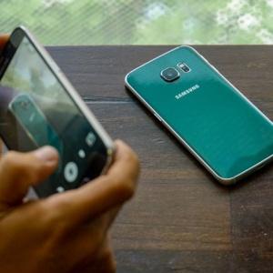 Cận cảnh Galaxy S6 edge Xanh ngọc lục bảo sắp bán tại VN