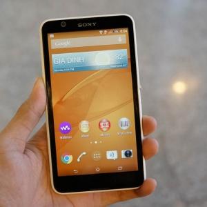 Điện thoại tầm trung Sony Xperia E4 về Việt Nam