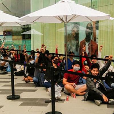 Gần 100 người đã xếp hàng chờ mua Galaxy S7 / S7 Edge trước 2 ngày