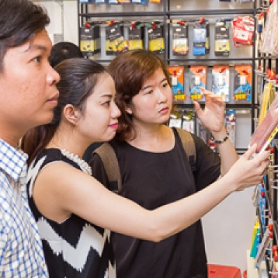 Khai trương Hnam Mobile 17: Cửa hàng chuyên bán phụ kiện giá rẻ