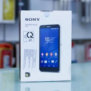 Khui hộp Xperia E4 smartphone giá rẻ của Sony