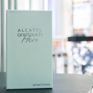 Mở hộp Alcatel One Touch Hero tại Hnam Mobile
