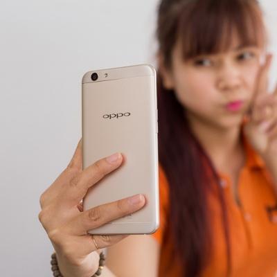 Mở hộp chuyên gia selfie Oppo F1s với camera trước 16MP.