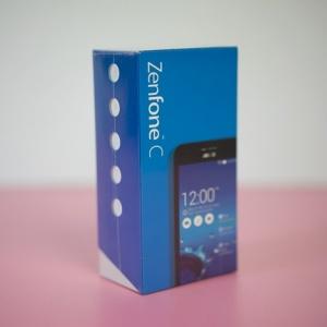 Mở hộp Zenfone C+ RAM 2 GB giá 2,5 triệu đồng